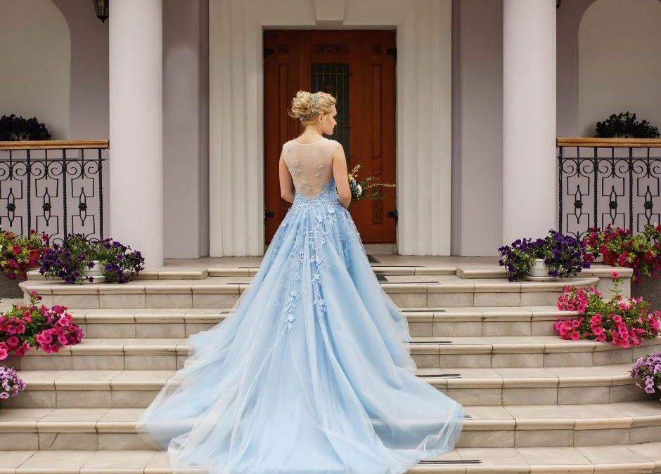 I colori degli abiti da sposa: total white o look colorato?